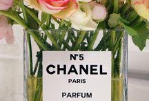 Parfums / Cascades de fleurs