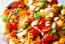 Scrumptious Salads / Who loves #salad? I do! Salad is a healthy alternative for lunch and dinner but it can get old eating the same old salad day after day. Try these tasty recipes today!
