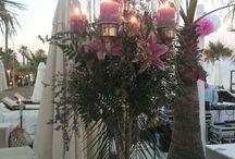Decoración floral para eventos / Nos gusta poner calidad, pasión y estilo al universo de las plantas. Por eso tenemos una línea especializada en la decoración de eventos, dónde naturaleza y elegancia se funden en belleza.