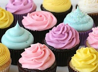 cupcakes & cakes / by Isabelle Gingras