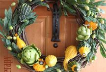 cool wreath / by Connie Fry