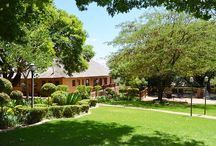 Black Eagle Boutique Hotel & Conference Centre / Situated in the heart of Ruimsig, Black Eagle prides itself on being an award winning Boutique Hotel & Conferencing venue west of Johannesburg.