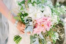 Wedding Bouquets / Latest fashion in loose style wedding bouquets