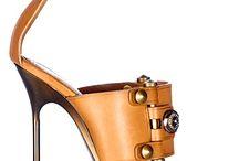 Shoes & Shoes / Shoes