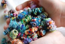 Straw beads with fibres