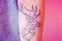 Tatuajes y dibujos geométricos. / Tatuajes,