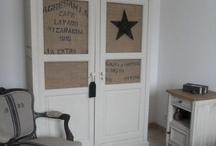 style vintage et brocante chic / Vintage et brocante chic, du lin, des étoiles, des inscriptions des vieilles malles...Comme dans un vieux grenier