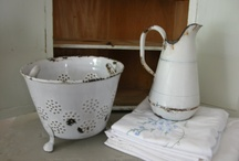 ENAMELware....vintage goodness / by Kathy Venable Thibodeaux