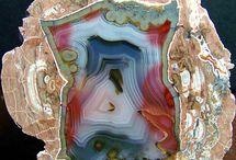 Minerals, crystals & stones