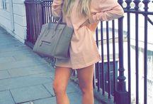 Sarah Ashcroft Outfits