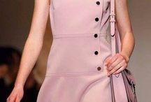 Pembe Bayan Elbiseler / Renkler etkilemeye yardımcı olurlar. Naif pembe sizce nasıl?