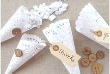 Paper Doily Love / Paper doilies have so many uses, for weddings, gift wrapping, decorations and more. I love them!