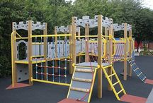 Wooden Playground Equipment / Wooden playground equipment suitable for schools and nurseries.