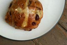 Sourdough Hot Cross Buns / A collection of hot cross buns made with sourdough starter
