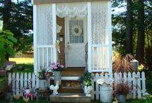 Tiny Homes & Lovely Decorative Extras
