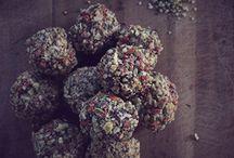 Raw Sweet Treats / Raw, healthy treats for everybody!