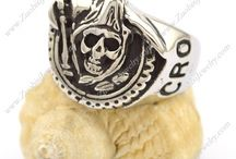 Skull  Rings /   Looking for a unique piece to add to your jewelry collection?  Get #SkullRing from #Zuobisi that offers a unique design in today's fashion. A perfect item for a gift or you can add this manly piece to your collection.