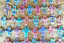 Vacation Bible School Ideas / VBS ideas for any theme! Vacation Bible School crafts, VBS decorations, Bible crafts for kids, VBS game ideas, VBS printables, and more religious crafts your Vacation Bible School class will love!