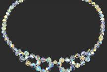 Kolekcja ślubna / wedding collection / Oryginalne SWAROVSKI ELEMENTS odznaczają się niezwykłym urokiem, czarownie lśniące kamienie oprawione w wysokiej próby srebro (także w wersji z warstwą 24-kratowego złota) doskonale nadają się do uświetnienia kreacji w tak wyjątkowym dniu. Na kolekcję składają się kolczyki, bransoletki, kolie i naszyjniki w klasycznych oraz nowoczesnych formach. Best jewlery for brides, bridesmaid.