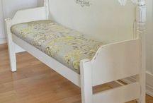 headboard benches / by Dawn Duquet