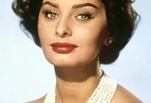 Sophia Loren: Pearls & Style / sophia loren, sophia loren pearls, sophia loren jewels, sophia loren jewelry, sophia loren elegance, fashion icon, style icon, italian actress, italian elegant women, italian women, famous actresses,  sophia loren wearing pearls, how to wear pearls, how to wear pearls like sophia loren