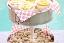 **Tailgating Decor and Food / by Janet Laster