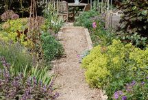 Outdoor Rooms and Retreats / Cozy Corners & Retreats: retreat to a quiet corner of the world or in your home, garden or abroad and just relax. Great ideas for great escapes.