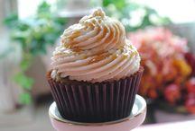 Cupcakes & Cake / by Melanie Cancialosi
