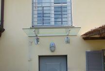per la casa in vetro / Da anni collaboriamo con successo con importanti studi di architettura ,  ingegneria e arredamento in Italia e all' Estero . Importanti realtà nel settore vetro si appoggiano a noi per collaborazioni tecnico pratiche