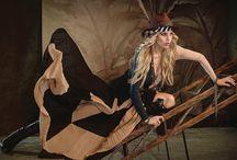 [fw 16] Into The Wild / Vem conhecer de pertinho o nosso Fall Winter!  A encantadora África encheu de pluralidades o nosso inverno que abusa de texturas diferenciadas, estampas ricas em referências culturais e cores marcantes, como pede a estação. Apaixone-se!  Conheça mais no site: www.moikana.com.br  #fallwintermoikana16