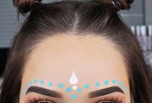 Festival Makeup / We Cover The Best Festival Makeup Ideas And Boho Looks.  Make Up Ideas For A Rave, Music Festival, Summer Festival, Coachella, Governer's Ball, Bonnaroo, Electric Forest, Austin City Limits (ACL), EDC, Electric Daisy Carnival, Ultra, Lollapalooza, And South By Southwest.  Use Glitter, Eyeshadow And Rhinestones To Get That Tribal Colorful Look.  We Give You Simple Step By Step Tutorials To Quick And Easy Festival Makeup That Give You The Vintage, Hippie Or Rave Look.