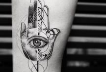 Tattoo, nails