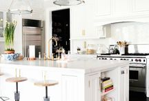 WHITE OUT / White kitchens!