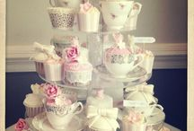Cake decorating / Cup cakes and icing ideas
