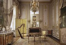 Visions of Versailles / From Louis XIV to Louis XV to Marie Antoinette; Baroque to Rococo to Neoclassic; the Palace to the Petit Trianon to the Queen's Hamlet; 17th century to 18th century to present day ... the wonders of Versailles continue to fascinate.