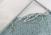 Studio News / Here you can find the latest news about Everyday Peacocks Yarn Jewelry Designs!