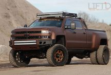 GM lifted trucks / by Francis Campagna