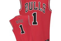 Chicago Bulls ClubHouse / Chicago Bulls Apparel & Souvenirs for all ages.