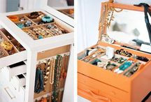 Jewellery Storage - Bunch of Ideas / You will find the full 5 posts about how to organize your jewellery treasures