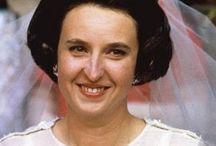 Almanach de Saxe Gotha - Infanta Pilar of Spain, Duchess of Badajoz / Infanta Pilar of Spain, Duchess of Badajoz, Dowager Viscountess de la Torre (María del Pilar Alfonsa Juana Victoria Luisa Ignacia y Todos los Santos de Borbón y Borbón-Dos Sicilias) (born 30 July 1936, in Cannes) is the elder daughter of Infante Juan, Count of Barcelona and Princess María Mercedes of Bourbon-Two Sicilies, and older sister of King Juan Carlos I. She has also a younger sister, Infanta Margarita of Spain.