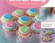 cake decorating / by Annmarie Evans