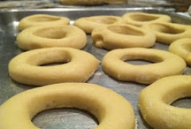 Food- Breads, Bagels, Doughs / by Gina Thurmond