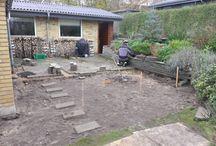 Terrasseprojekt / Terrassen skal udvides med ca. 20 kvm med nye fliser. På de eksisterende fliser skal der træ på.