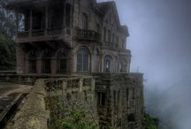 Abandoned Places in the World / Stunning and poignant photos of abandoned places.