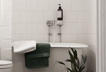 Bathroom / by Julia Thielen