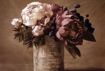 Wreaths and Flowers / by Melissa Ens