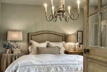 Master bedrooms / by Kimberly Morgan
