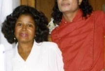 Singer Michael Jackson's mother Katherine Jackson is baptized Jehovah's Witness. / Michael Jackson's religion Jehovah's Witness (1965 - 1987). Christianity (1987 - 2009)