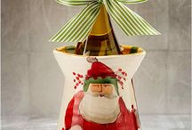 Holiday Table with Old St Nick / Create a classic and fabulous Christmas table!