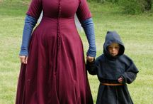 Dress 1300-1350 - Reconstructions / Reconstructions of male and female clothing - Reconstructies van mannen- en vrouwenkleding